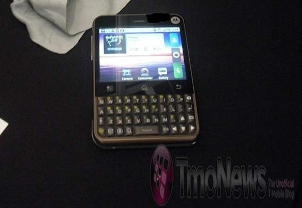 Motorola Charm, primeras imágenes reales y características técnicas