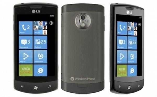 LG Optimus 7 01