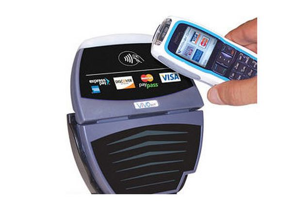 Pagar con el móvil será posible en los autobuses de Madrid con la tecnología NFC