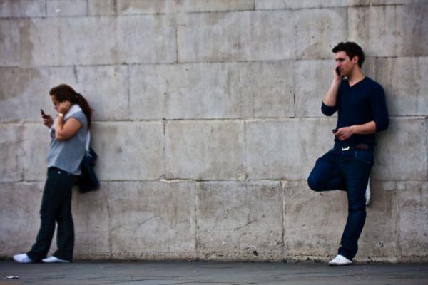 Más de la mitad de los dueños de smartphones suelen descargar aplicaciones móviles