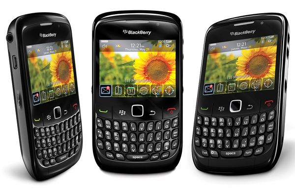 BlackBerry Curve 8520 01