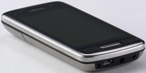 Nokia C6 01 - 3