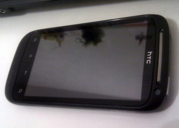 HTC Saga, primeras fotos del posible sucesor del HTC Desire