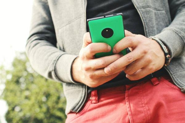 Cómo crear un acceso a un chat de Hangout en el móvil
