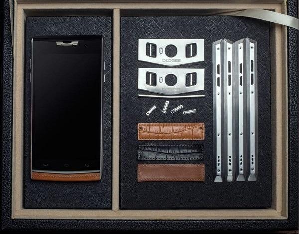 Doogee T3, un móvil con doble pantalla y acabado metálico