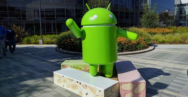Motorola <stro />Android</strong>® 7.0&#8243; width=&#8221;600&#8243; height=&#8221;311&#8243; /></p> <p>El <strong>listado</strong> es el siguiente. En él se incluye el <strong>Nexus 6,</strong> smartphone que la empresa fabricó en su instante para <strong>Google</strong> y que ayer ya empezó a obtener la correspondiente actualización a <strong>Nougat</strong>.</p> <ul> <li><strong>Moto G4</strong> (cuarta generación)</li> <li><strong>Moto G4 Plus</strong> (cuarta generación)</li> <li><strong>Moto G Play</strong> (cuarta generación)</li> <li><strong>Moto X Pure Edition</strong> (tercera generación)</li> <li><strong>Moto X Style</strong></li> <li><strong>Moto X Play</strong></li> <li><strong>Moto X Force</strong></li> <li><strong>Nexus 6</strong></li> <li><strong>Droid Turbo 2</strong></li> <li><strong>Droid Maxx 2</strong></li> <li><strong>Moto Z</strong></li> <li><strong>Moto Z Droid</strong></li> <li><strong>Moto Z Force Droid</strong></li> <li><strong>Moto Z Play</strong></li> <li><strong>Moto Z Play Droid</strong></li> </ul> <p>Son muchas las avances que conseguiremos en vuestro smartphone una vez que logremos update a <strong>Android 7.0. </strong>Una de las más destacadas es la característica de ahorro de batería <strong>Doze</strong>, característica que ya vimos en <strong>Android 6.0,</strong> no obstante que ha obtenido optimizarse todavía más en esta renovada versión-RC de la plataforma. Por su parte, otra de las enormes funciones que han aterrizado en <strong>Android 7.0</strong> es el uso de la multiventana, <strong>gracias a la cual se puede aumentar la productividad</strong>. Por su parte, ahora conseguiremos contestar de forma más sencilla a las notificaciones, ya que se puede seleccionar su prioridad. Esto significa, que si por ejemplo estás fatigado de obtener msjes de <strong>WhatsApp</strong> podrás establecer la prioridad al mínimo, como si silenciaras solamente esa aplicación. En <strong>Android 7.0</strong> a la vez encontraremos nuevos trucos