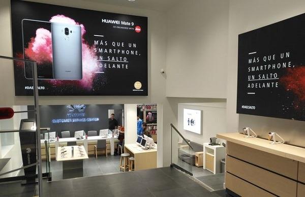 Huawei abre un centro de atenci n al cliente en madrid - Oficina atencion al cliente vodafone madrid ...