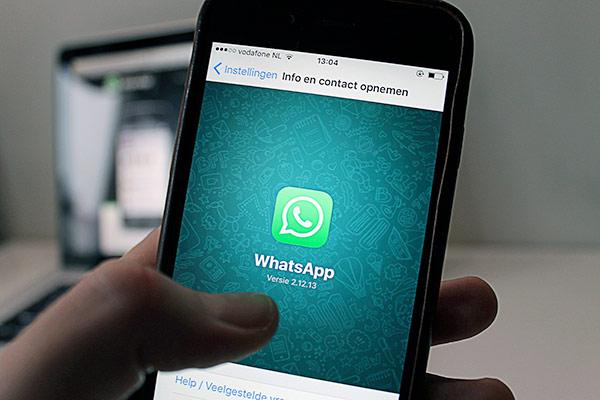 Cómo crear y recuperar una copia de tus chats de WhatsApp