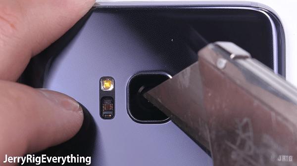 """Esto es lo que pasa cuando decides maltratar un Samsung""""‹ Galaxy S8"""