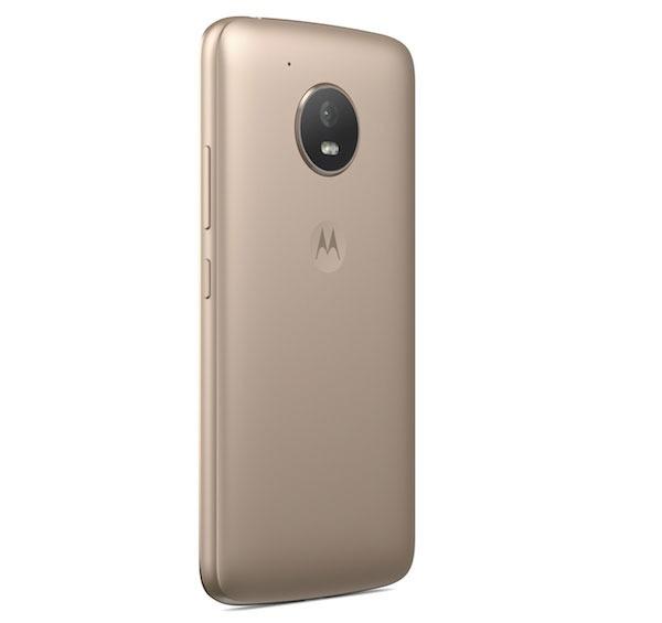 Comparativa Motorola™ Moto™ E4 vs Moto™ E3 parte trasera Moto™ E4