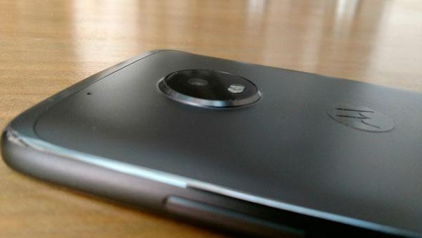 comparativa BQ Aquaris X Pro vs Motorola Moto G5 Plus parte camara Moto