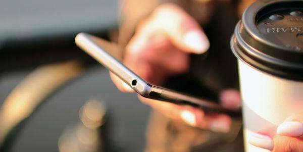 10 móviles de menos de 150 euros para comprar con operadoras