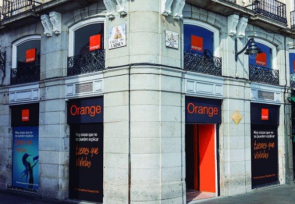 Orange abre una tienda enorme en la Puerta del Sol de Madrid