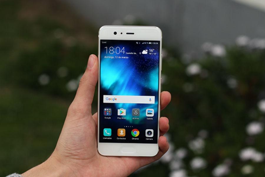 El Huawei P20 Plus también contará con un flequillo como el del iPhone X