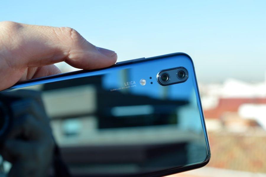 comparativa Samsung Galaxy S9 vs Huawei P20 trasera P20