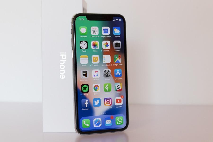 El iPhone del futuro tendría monitor curva y se controlaría sin tocar el panel