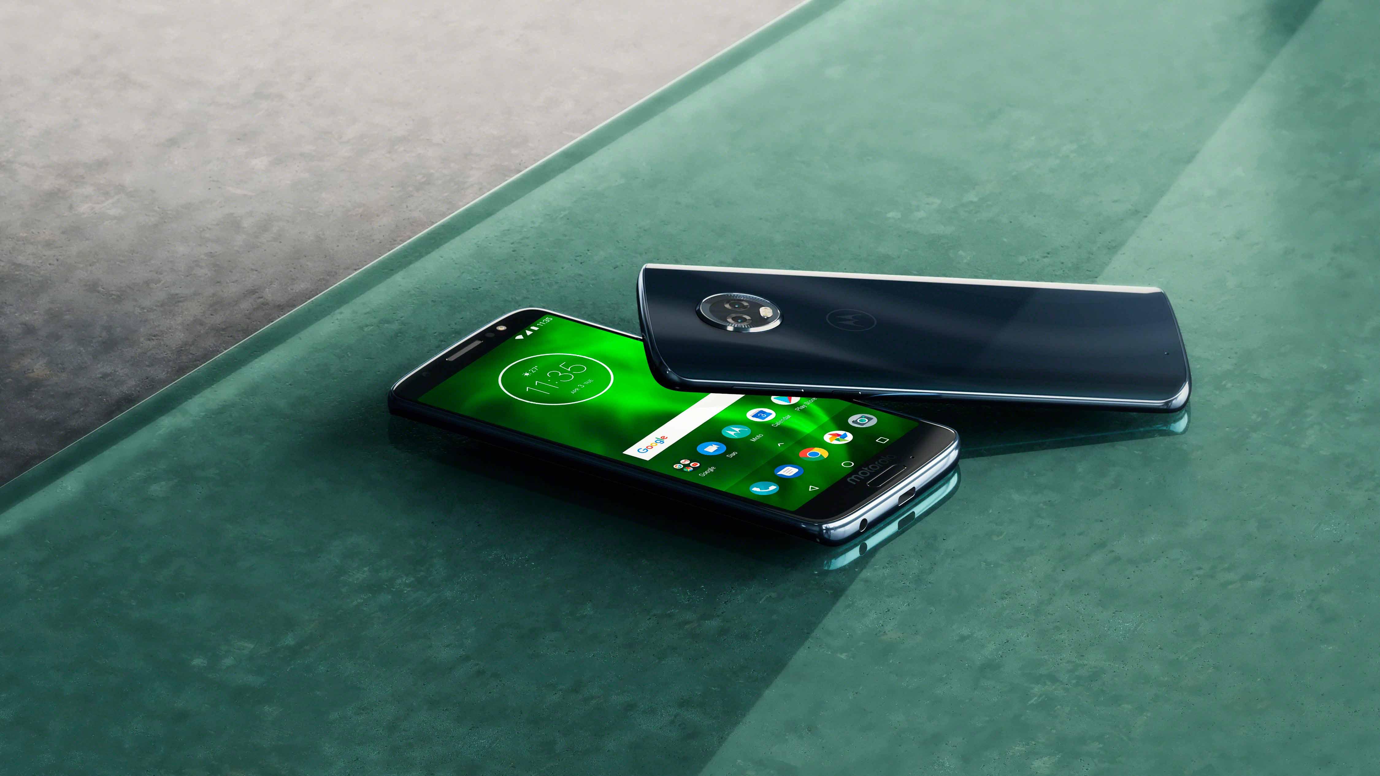 Motorola Moto™ G6, teléfono asequible con doble cámara y monitor fullview