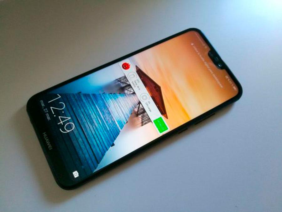 comparativa Huawei P20 Lite vs Samsung Galaxy A6+ pantalla P20 Lite