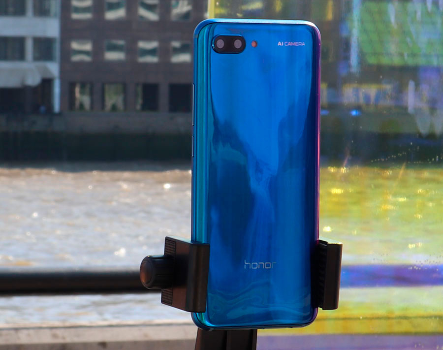 comparativa BQ Aquaris X2 Pro vs Honor 10 trasera Honor 10
