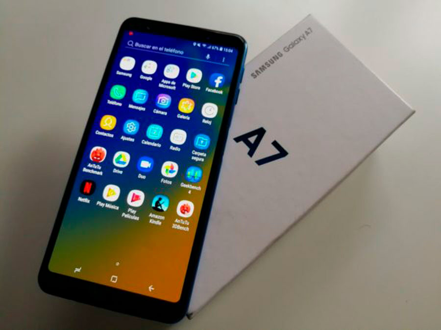 comparativa Huawei Mate 20 Lite vs Samsung Galaxy A7 2018 pantalla A7 2018