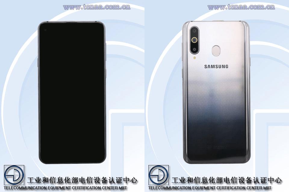 El teléfono de Samsung™ con cámara en monitor aparece en imágenes reales
