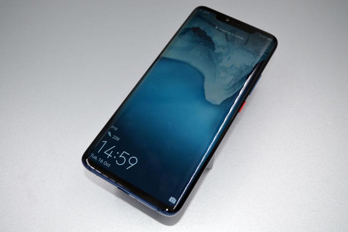 comparativa LG V40 ThinQ vs Huawei Mate 20 Pro pantalla Mate 20 Pro