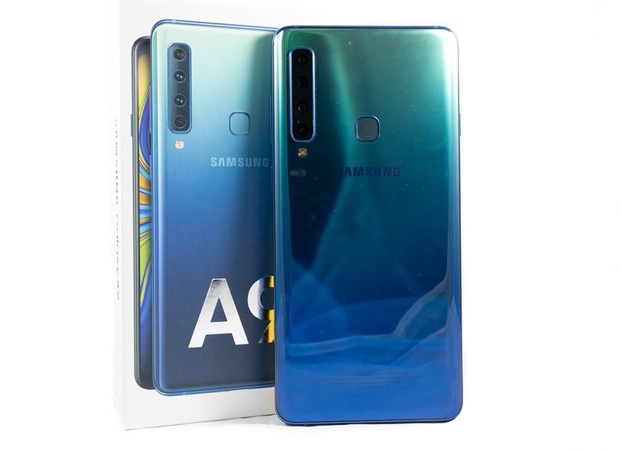 comparativa Samsung™ Galaxy™ A9 vs Samsung™ Galaxy™ S9 trasera A9