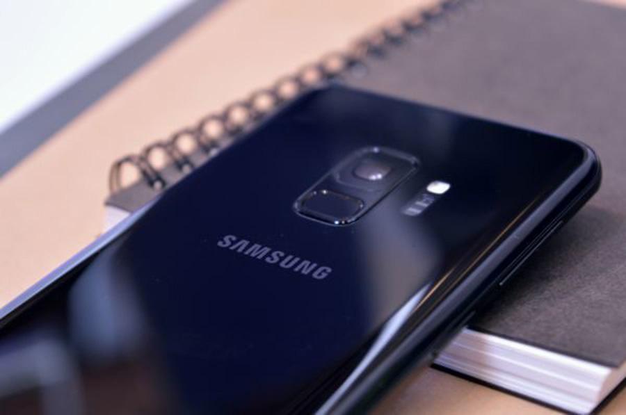 comparativa Samsung™ Galaxy™ A9 vs Samsung™ Galaxy™ S9 cámara trasera S9