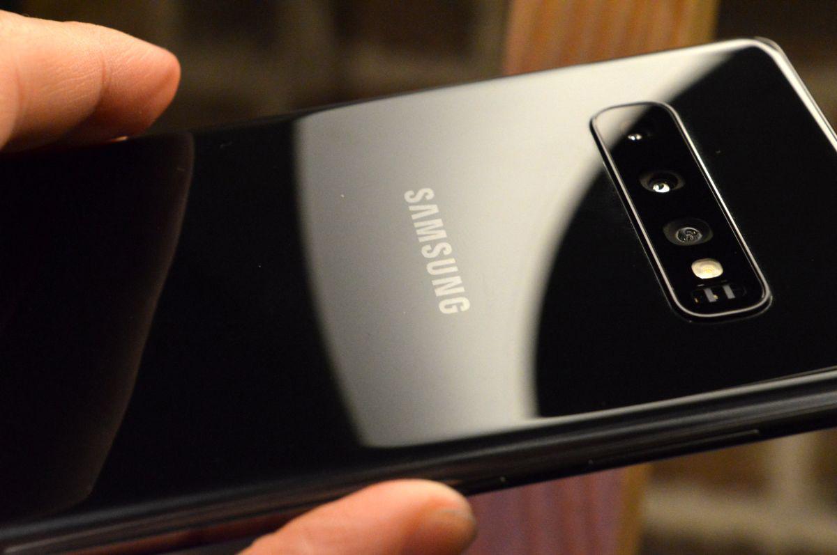 Desmontan el Samsung Galaxy S10 por completo, así es por dentro