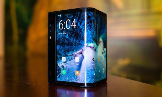 Alcatel trabaja en un móvil plegable que se convierte en reloj