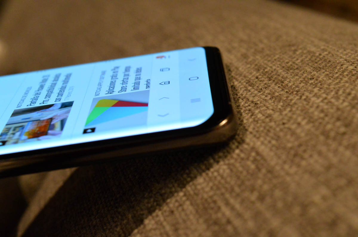 Samsung-galaxy-s10-plus detalle de la pantalla