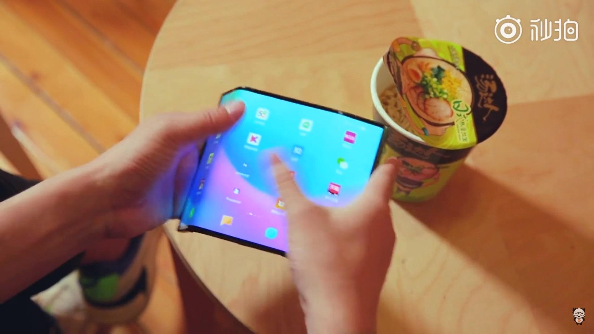 Aparece un nuevo vídeo del teléfono flexible de Xiaomi