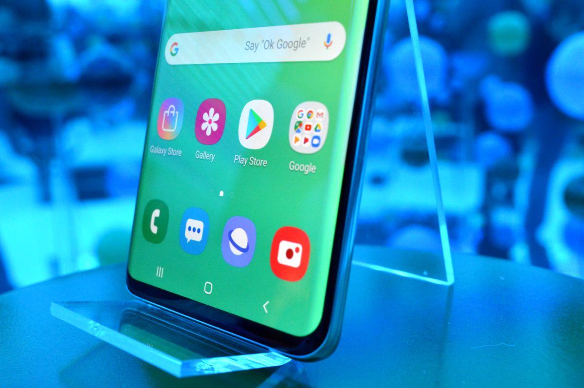 El Samsung Galaxy S10 se actualiza con mejoras en el sensor de huellas