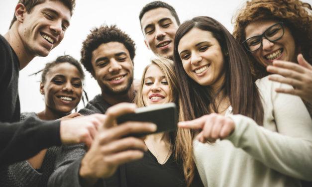 5 móviles para selfies que puedes comprar este mes por menos de 300 euros